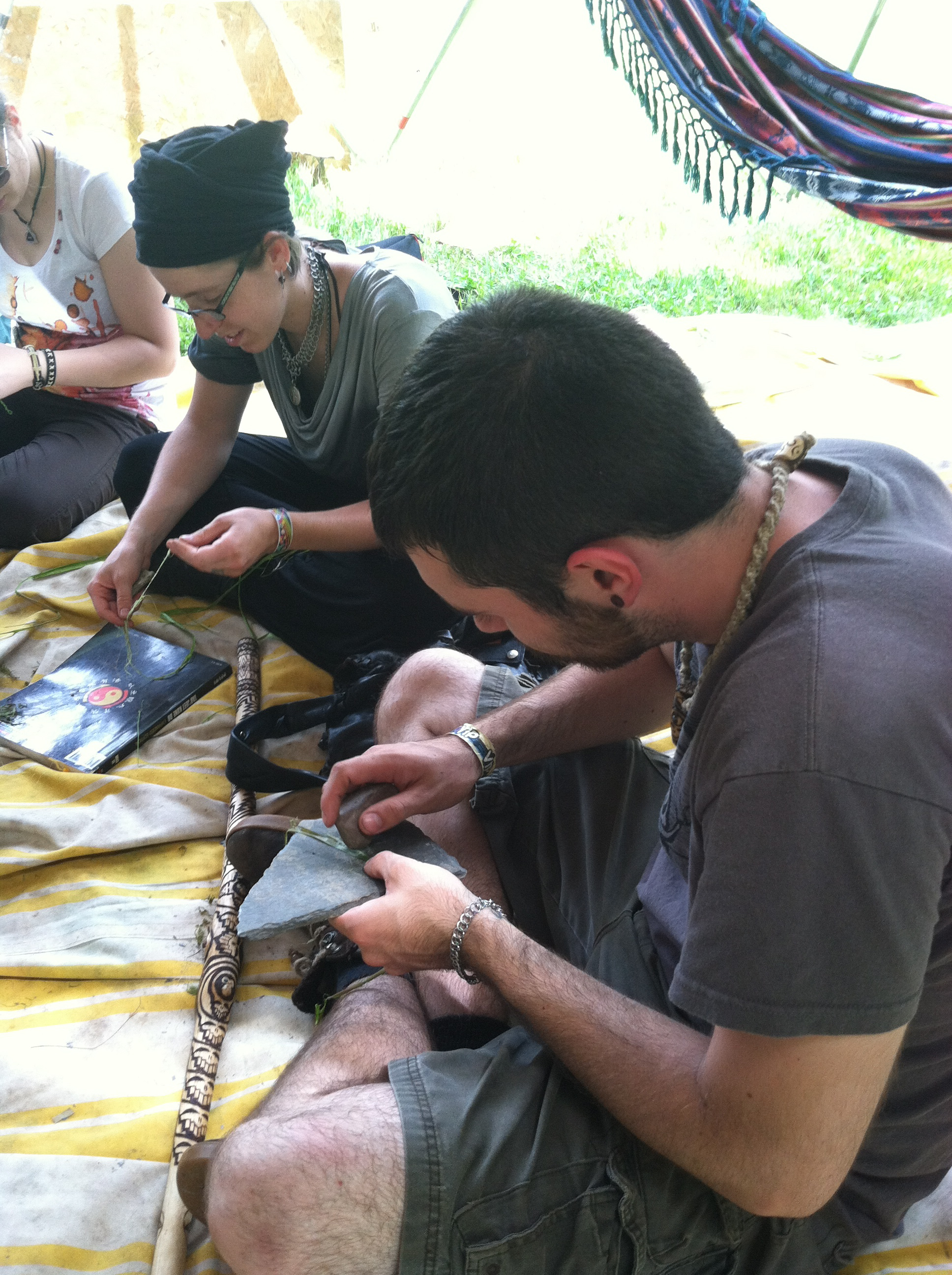 Ropemaking from Found Fibers in Nature_Ameribeat14_2